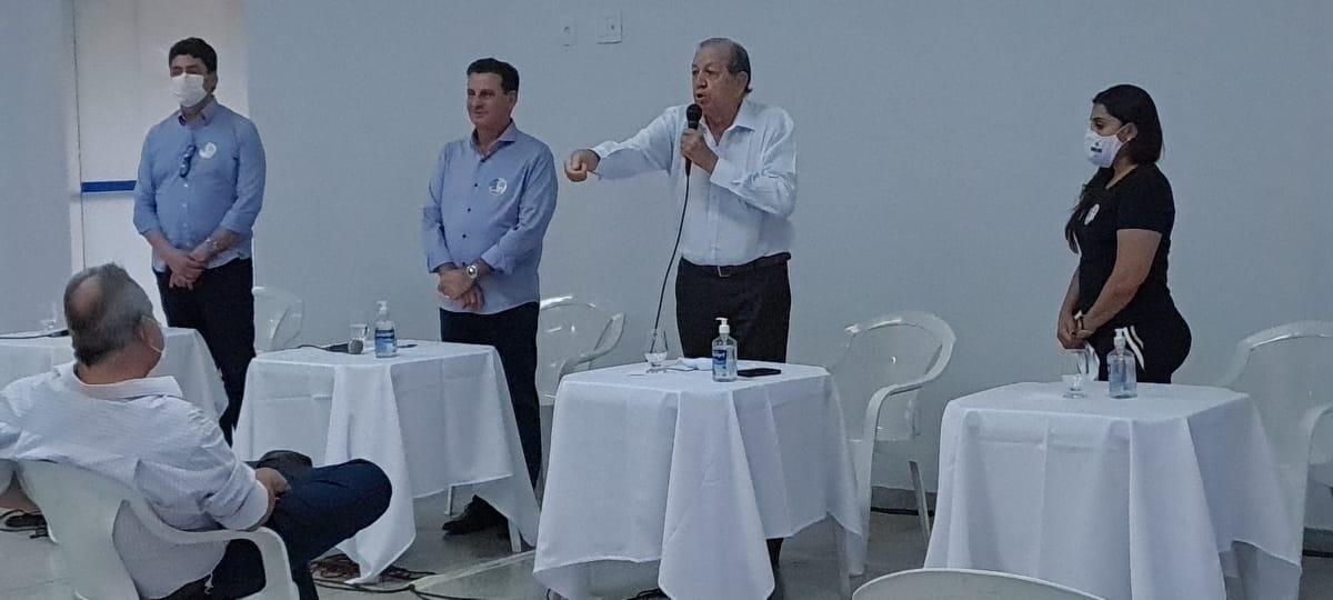 Auditores debatem com o candidato Vanderlan Cardoso